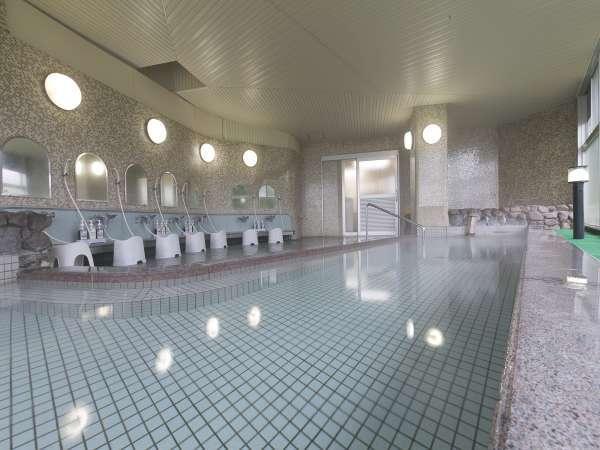 【伏流水の湯】あいにく温泉ではありませんが、お肌にやさしく体の健康バランスを整えるのに最適です。