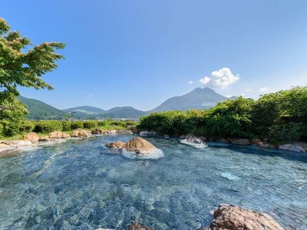 女性専用「空海の湯」は約150畳の圧巻の広さを誇る大きな露天風呂。