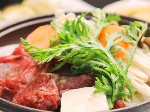 夕食_国産牛の陶板焼き自家製のタレで仕上げます。