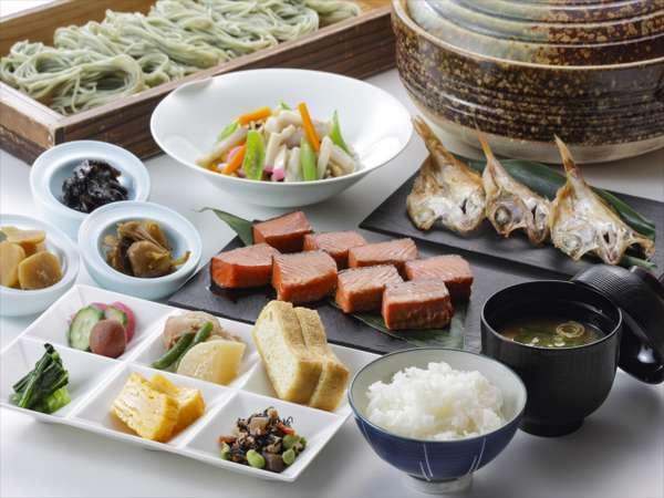 朝食は新潟自慢のお米に合う和食も豊富にご用意♪