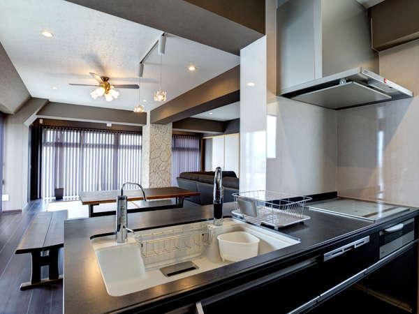 キッチン付き☆生活必需家電・調理器具・食器を完備しているので、長期滞在も可能です☆