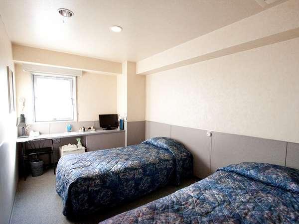 デラックスツインルーム(16平米)です。ご家族、カップルなどでのご宿泊に最適です。