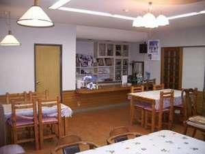 ・お食事は、こちらの1階ダイニングルームにて召し上がっていただきます。