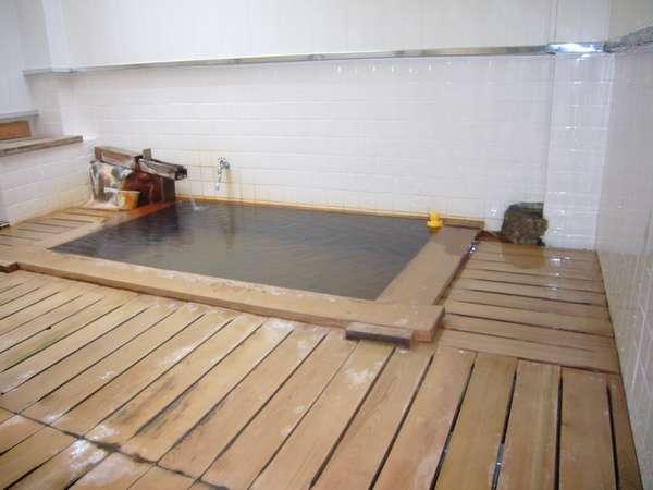 天然かけ流し!熱々の清潔なお風呂です。