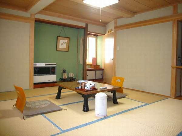 和室10畳のお部屋です。