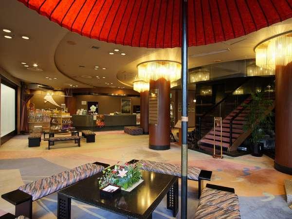 【ロビー】琴の調べが落ち着いた和風旅館でお待ちしております