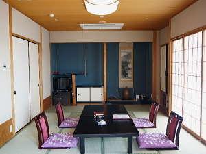 【通常客室一例】当館は客室内のみ喫煙可能です