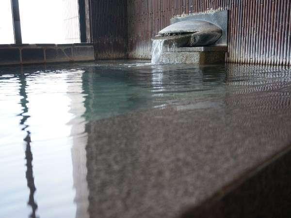 【桐壺の湯】岩風呂
