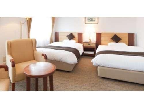 ≪デラックスツイン≫ゆったり27平米/ベッド幅120cm×2台