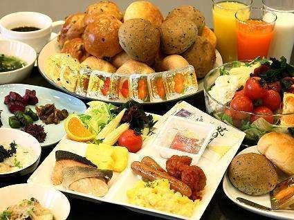 ≪和洋50種の朝食バイキング≫7:00~10:00(9:30最終入場)※地元食材を厳選したメニュー♪