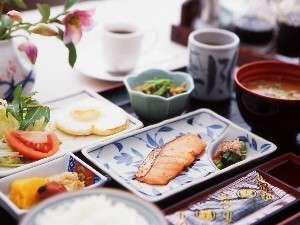充実の和定食が人気の朝食。