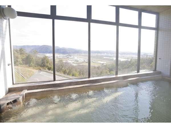 大浴場※景色を眺めながらご入浴いただけます。
