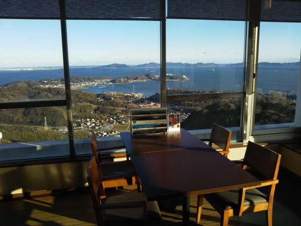 多くのお客様から「すばらしい!」と喜んでもらっている当館からの景色です(喫茶カレントより)