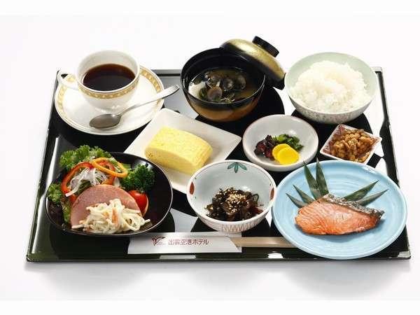朝食「宍道湖のしじみ汁付き和定食」