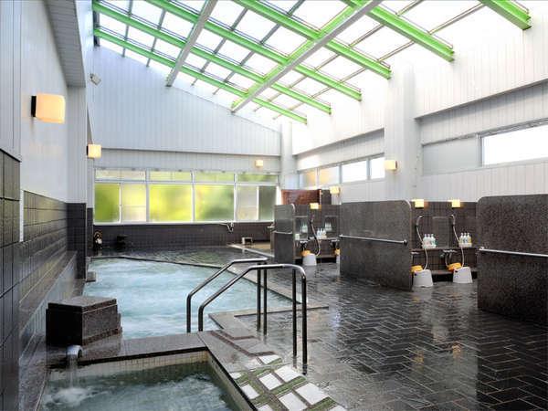 【和風・屋内全景】露天風呂,寝湯,ドライサウナなどのんびりとお楽しみ下さい。