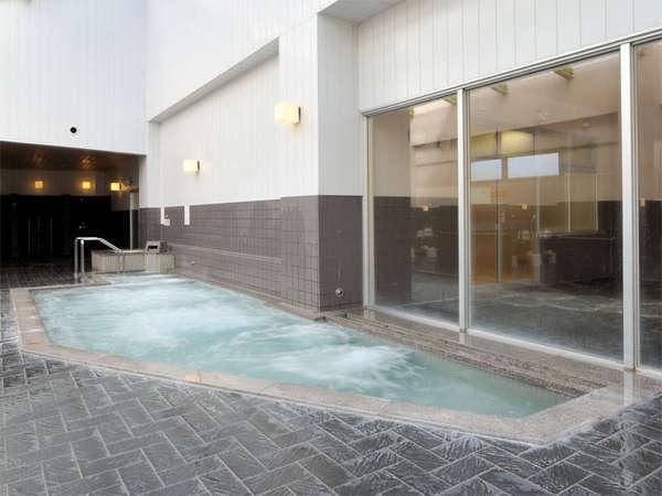 【和風・大浴場】和洋は男女日替わりです。1泊で異なる趣きのお風呂を楽しめます♪