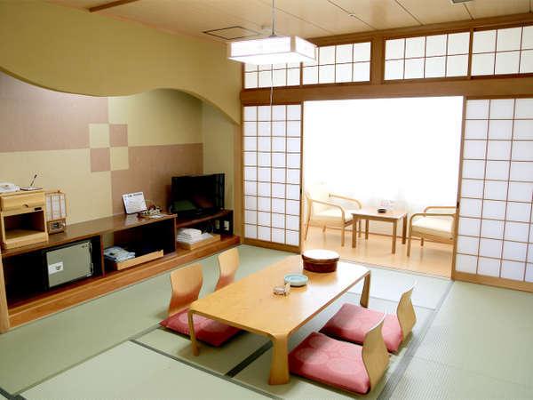 広々和室でくつろぎのひとときをお過ごしください。和室のほか洋室、和洋室もございます。