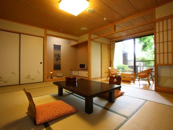 【阿蘇五岳館】和室10畳/一例 入り口や縁側も広く開放感あふれるお部屋
