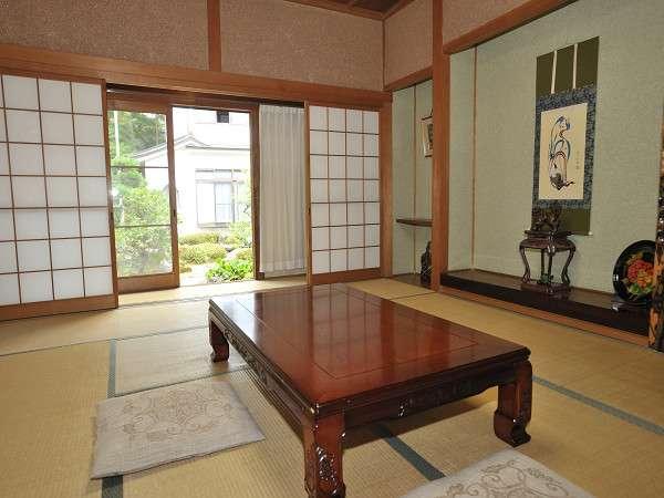 和室の一例静かなお部屋でごゆっくりおくつろぎ下さい。
