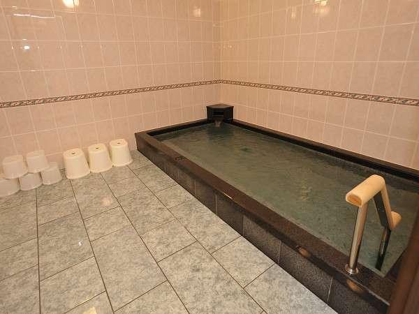 改修された大浴場。女性風呂。