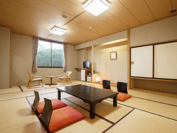 和室/本間12畳+広縁付き。ゆったりと寛げる純和風のお部屋です。