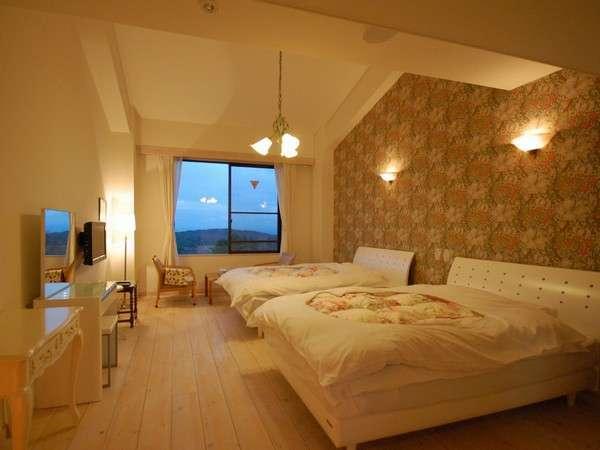 【洋室 一例】白と花柄を基調としたレディースルーム