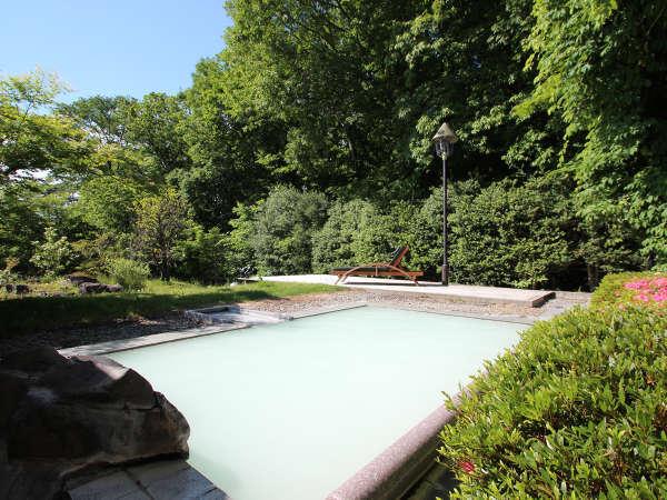 【空の庭リゾート】化粧水よりも高濃度の白濁温泉 美と健康 心を癒す高原ホテル