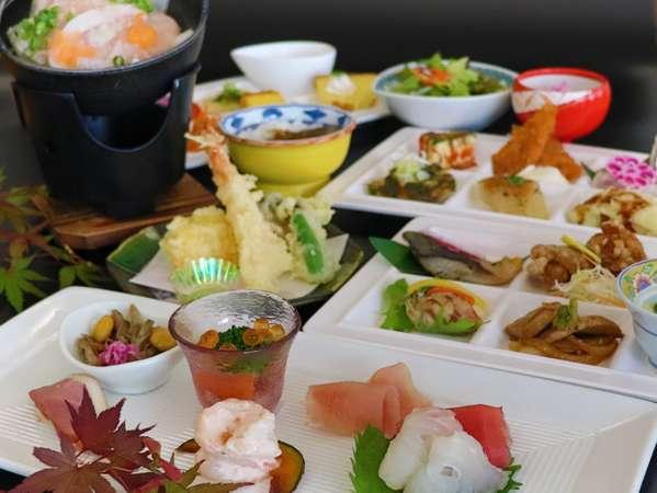 夕食:秋のお膳とハーフバイキングの一例
