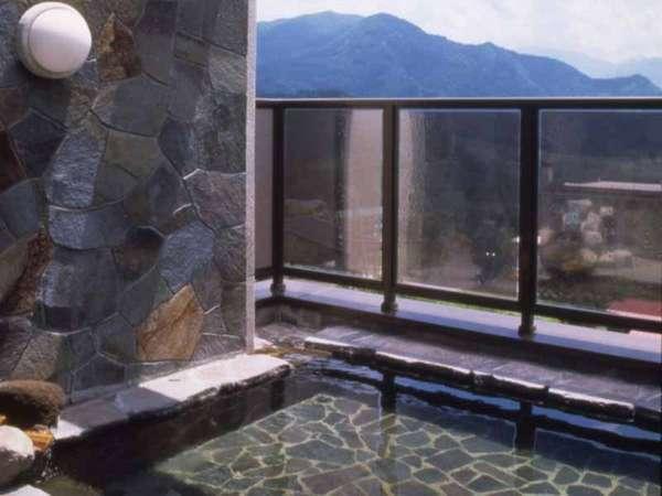 【よませライジングサンホテル ホテル明幸】冬はスキー、夏はトレッキング、移ろいゆく景色と温泉が魅力。