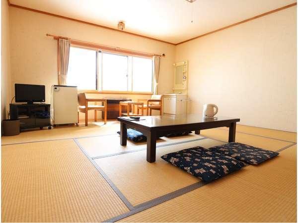客室(和室10畳・風呂トイレ共同)