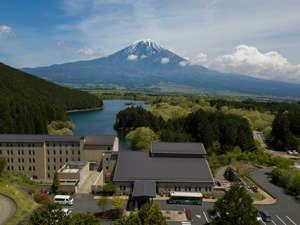 緑豊かな田貫湖半に建つ本館全客室「富士山ビュー」が魅力!