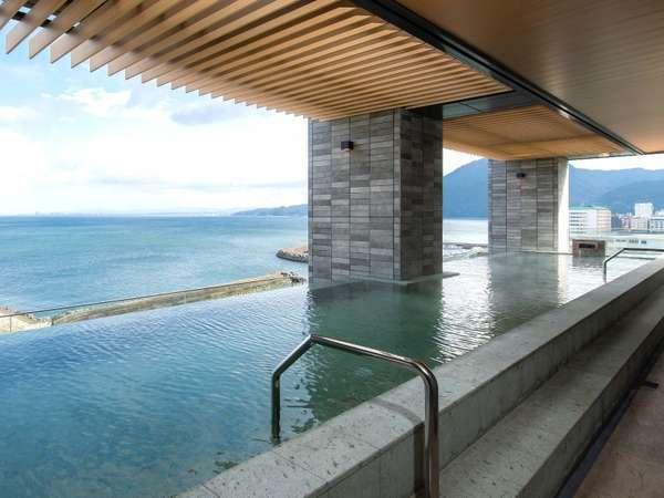 絶景のインフィニティ露天風呂