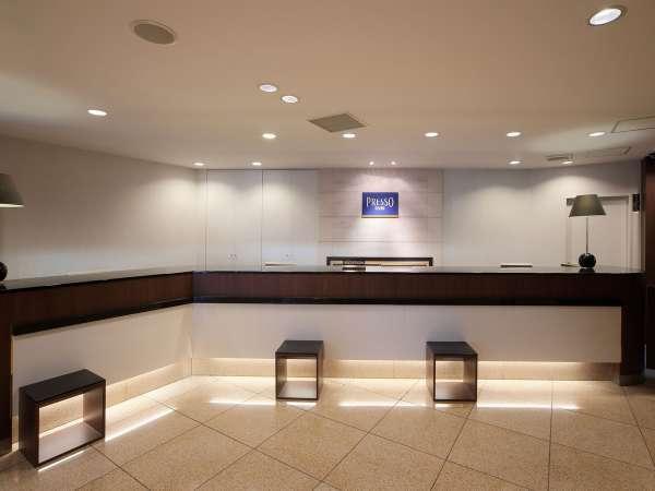 【館内】2階 フロントカウンター