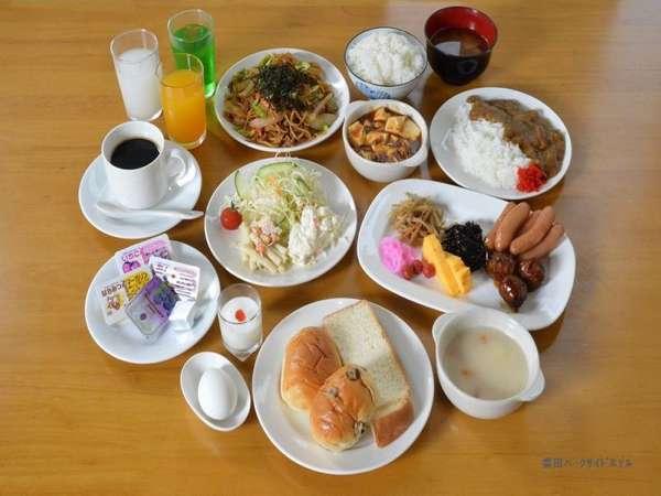 ご朝食は無料サービスです。(例)