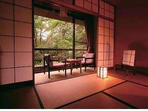 ゆったりの10畳   どの部屋に訪れてもそれぞれ違う熊野の自然を楽しめます