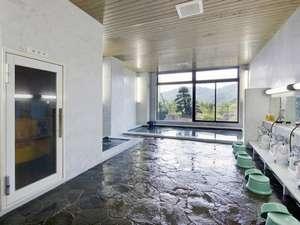 大浴場① 小さいですがサウナが併設。
