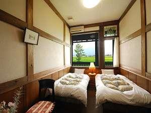 北アルプスが見られる民芸タイプのツインルーム(お部屋のお写真は一例です)