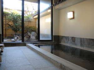 24時間入浴可能。源泉かけ流し温泉無加水・自家源泉