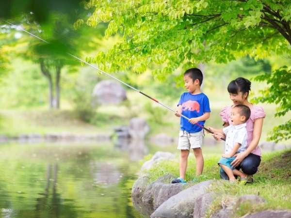 【魚っこ釣り(夏)】何匹釣れるかな?青森屋の魚はすぐ餌に食いついちゃう?!
