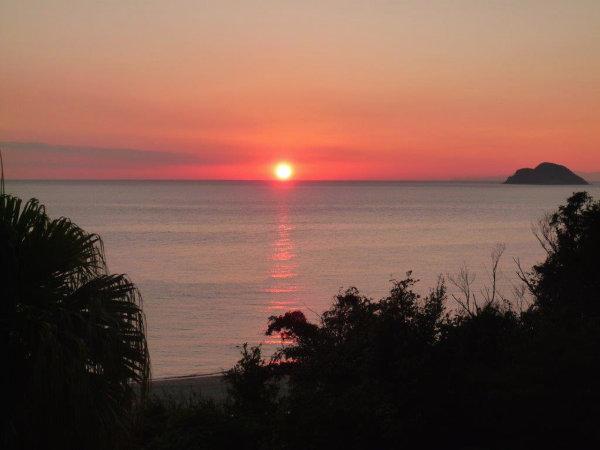 *天気の良い日には美しい夕日をご覧いただけます