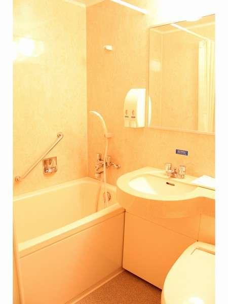 清潔感あふれるバスルーム