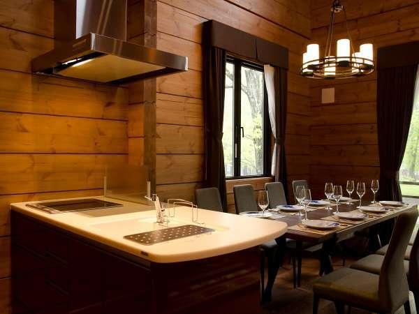 全棟キッチン、冷蔵庫、料理用小道具各種完備