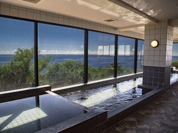 見渡す限り海の絶景の中での入浴は格別です。