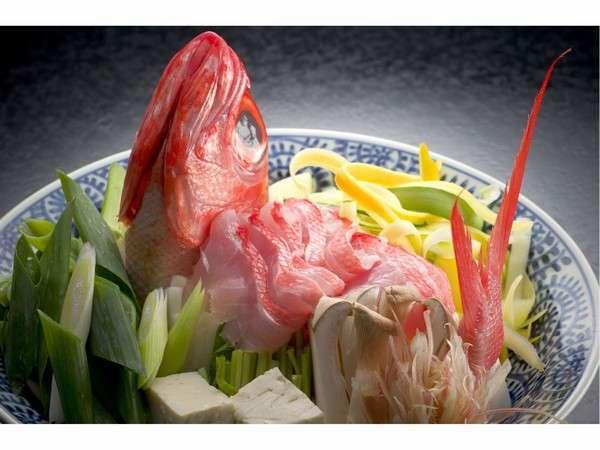 【料理の宿 伊豆のうみ】本物の大人の贅沢を満喫できる、おもてなしと食の宿。