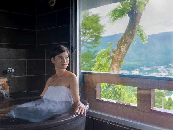【客室露天風呂】掛け流しの客室露天風呂を全室にご用意しました。