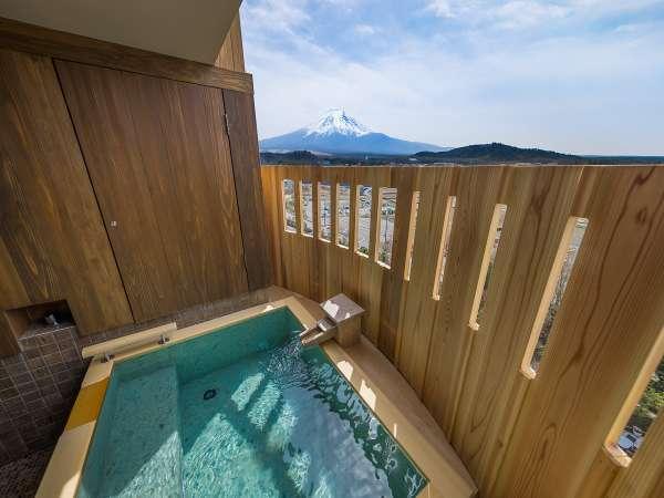 燦里(さんり)/客室露天風呂※晴天時には富士山を眺めてゆっくり温泉を満喫