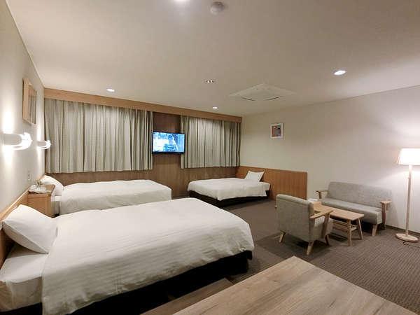 【トリプルルーム】43.8平米 シモンズ製親子ベッド採用。 最大6名様まで対応可能。Wi-Fi完備