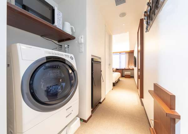 【客室】全室洗濯乾燥機・電子レンジ完備