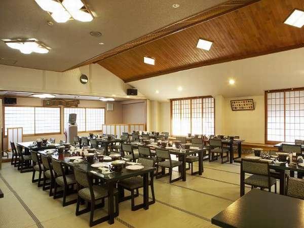高座椅子のお食事会場 「竹の子」