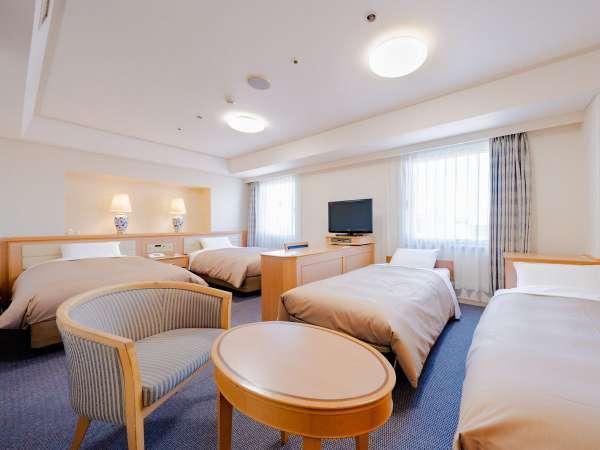 【デラックスツイン】☆37㎡ 写真は4名様(4ベッド)仕様。ファミリールームとして最適なお部屋です♪